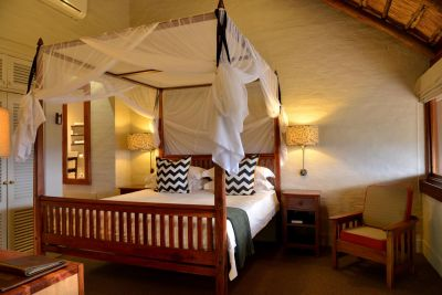 Lodge Waterhole Facing Suite